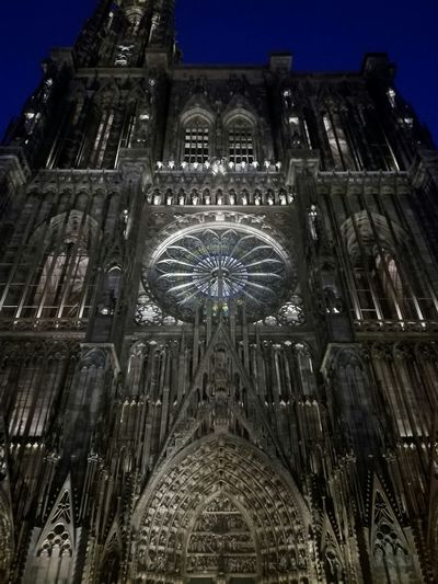 Chance Encounters Architecture Built Structure Place Of Worship Afternoon Dark Building Exterior No Edit/no Filter Eyeem Market EyeEm Gallery Eyeemphotography New Perspective Eyeem Collection Darkness And Beauty Huaweiphotography Cold Temperature Cathedral Notre Dame De Strasbourg Embrace Urban Life Miles Away Minimalist Architecture The Architect - 2017 EyeEm Awards