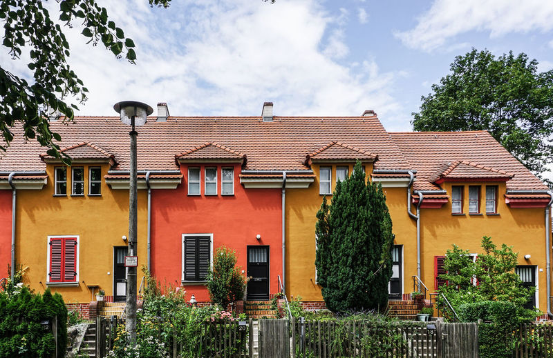 Gartenstadt Falkenberg, Berlin Colorful Built Structure Building Exterior Architecture Cloud - Sky Tree Sky Plant Building Nature No People House Residential District Window Day Roof Outdoors Growth City Green Color Low Angle View Lantern Bruno Taut Gartenstadt Falkenberg