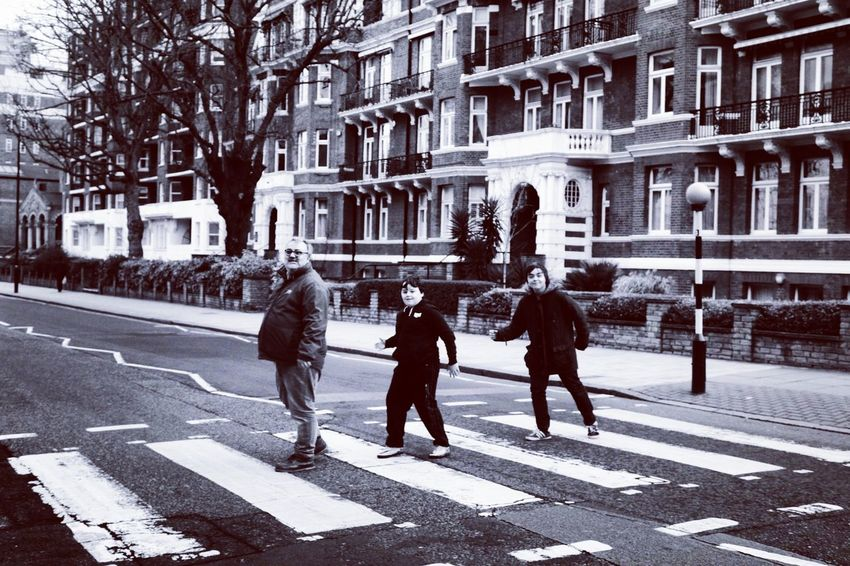 Only Men Day Outdoors City London Life London's Buildings Enjoying The Moment Taking Photos Eyeemphotography Eyeem Market EyeEm Gallery Canon Eos  Family Time February 2017 Making Memories<3 Abbey Road Abbey Road Studios Famous Place Famous Crossing The Beatles