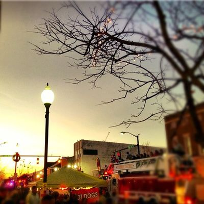 #Christmas #Parade #sunset #Owensboro #KY #CBbday Owensboro Cbbday Sunset Parade Christmas Ky
