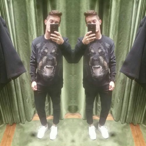 That's Me Givenchy People Clothes Taking Photos French Today's Hot Look Is This Naughty? Outfitoftheday Selfportrait Lookbook Paris Shooting Luxury