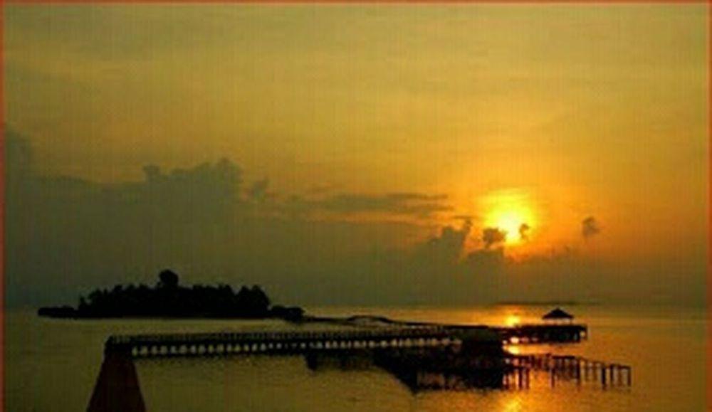 Hello World ✌ EyeEm Best Shots - Landscape sunset in Tidung island Light And Shadow Water Reflections Relaxing Eyeem Indonesien