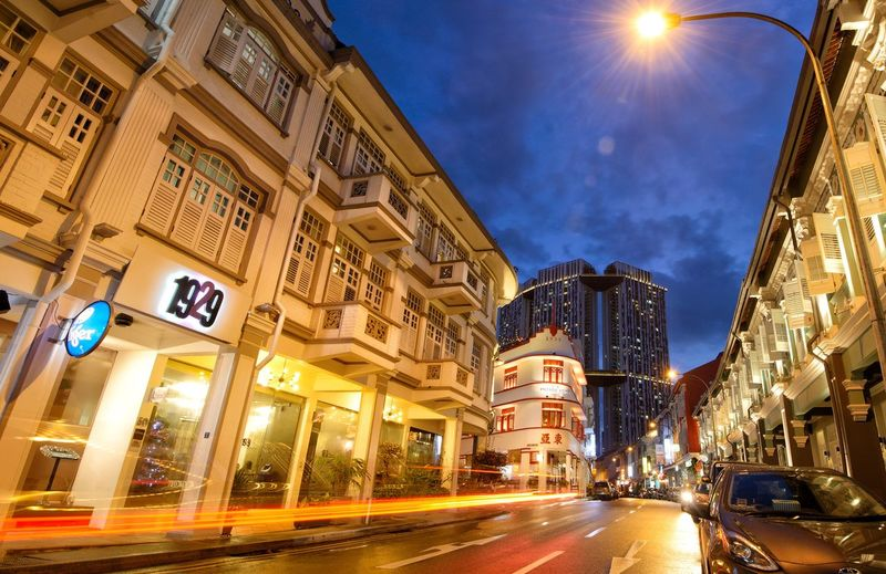 Keong Siak Old Buildings Streetphotography Singaporestreetphotography Singapore Illuminated Night Architecture City Street Transportation Building Exterior Built Structure Road City Street Light Trail Long Exposure Street Light Motion
