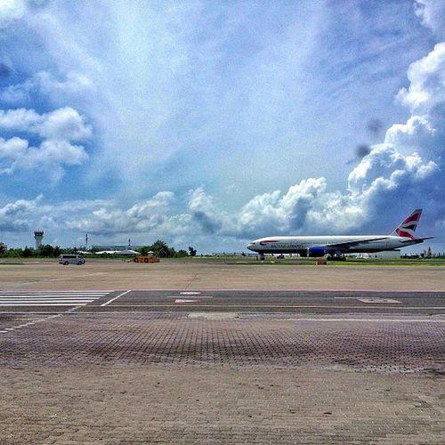 Maldives Sky Skyporn Britishairways Igers Instamv Instadaily TagForLikes Blue Clouds Ibrahimnasirinternationalairport Ig_maldives Maldives Travelling Travelgram Wanderfolk Wanderlust ExploreEverything