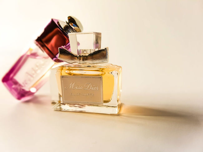 my perfume EyeEm Selects Wealth Gold Colored No People Luxury Indoors  White Background Perfume Sprayer Close-up Day Women Style Women Photographers Womens Rights Womenfashion Perfumelover Perfume Addict Perfume Samples Still Life Photograpy StillLifePhotography StillLife Stillshoot Still Beautiful
