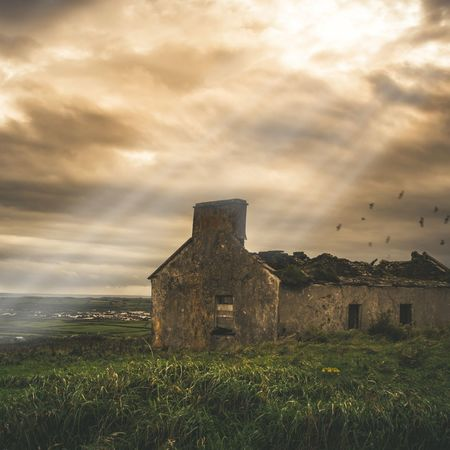 Irland Ireland Ireland🍀 Sunrays Cold Weather Rural Scene Summer Abandoned Sunset Dramatic Sky Sky Grass Building Exterior Architecture Built Structure Moody Sky Cloudscape Atmospheric Mood Old Ruin Storm Cloud Archaeology Ancient Rome Historic