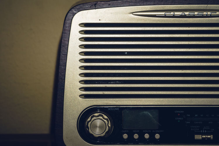 Retro Styled Indoors  No People Technology Close-up Music Radio Analogue Photography Old Old-fashioned Arts Culture And Entertainment Detail Musical Instrument Musical Equipment Audio Equipment Sound Recording Equipment Focus On Foreground Single Object Knob Vintage Pattern Still Life Analogue Sound