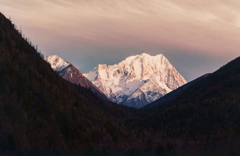 Yali snow mountain China Landscape Nature Beauty In Nature Cloud - Sky Sky Scenics - Nature Non-urban Scene Mountain Range Mountain Travel Snow Snow Mountain Tranquil Scene Tranquility Environment Cold Temperature No People Idyllic Snowcapped Mountain Sunset Outdoors Mountain Peak