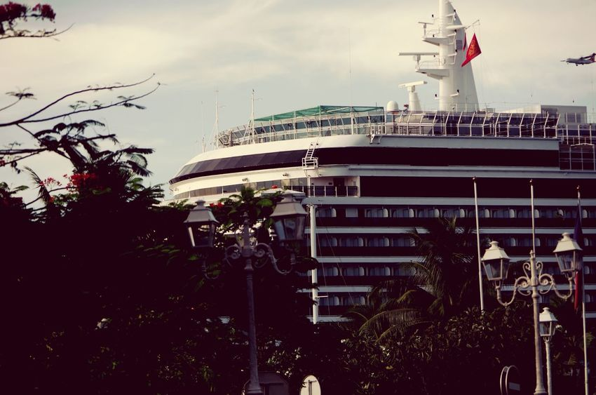 Queen Victoria in Papeete Multi Faces Of French Polynesia P9 Huawei Paquebot Tourism Croisiere Cruiser Holidays Dream