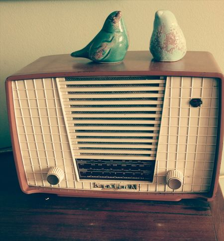 rádio Ga Ga Close-up Analog Gramophone Radio Turntable Dial Radio DJ Radio Station Radio Wave Vintage Vintage Car 1930-1939 Dj Audio Equipment Typewriter Wooden Rotary Phone Record Player Needle Retro Styled Record Club Dj Old-fashioned