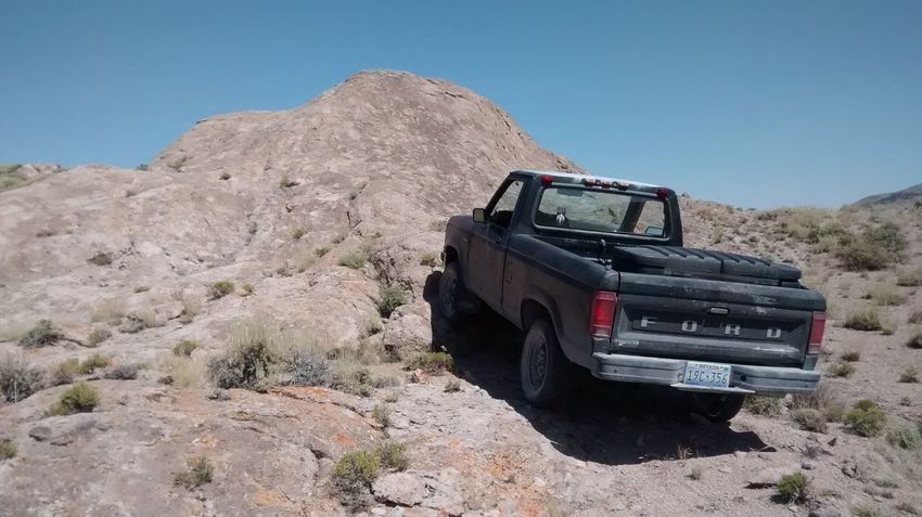 MeinAutomoment That's Me Check This Out Nevada Mountains Nevada Desert Hanging Out Ford Ranger