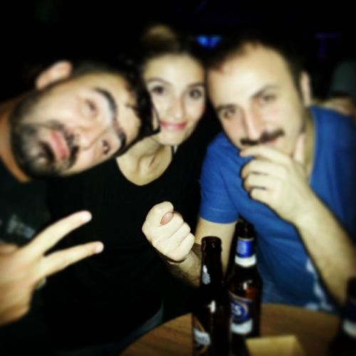Beer Frends Cousen Having Funn