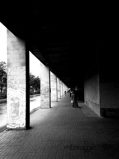 Architecture Built Structure Architectural Column Bwphotography черно-белое фото чернобелоефото мобилография Xiaomiphotography Hypocam Mi5S XiaomiMi5s Bw Streetphotography