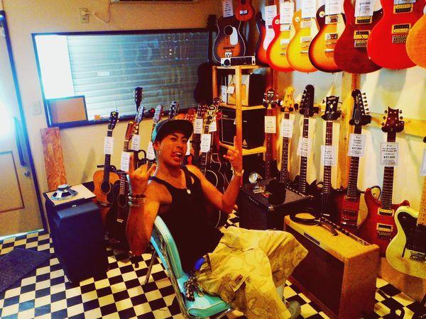 Rock !!! Chillin Ari Ari-Lo MC-Ari RappaneazCREW