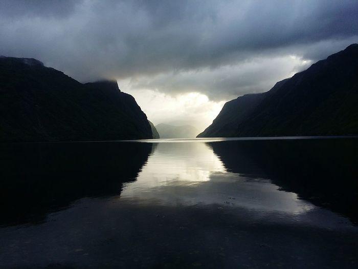 Norwegen Norway Norge Fjord Fjordsofnorway Frafjørd Frafjord Dusk Colours Shadows & Lights