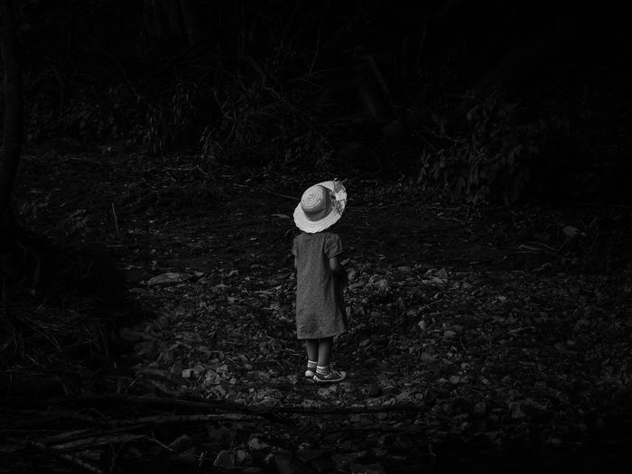 Lost. Black And White Black & White Monochrome Child Solitude Lost EyeEm Best Shots - Black + White Darkness And Light Capture The Moment Picturing Individuality Feel The Journey People And Places Monochrome Photography