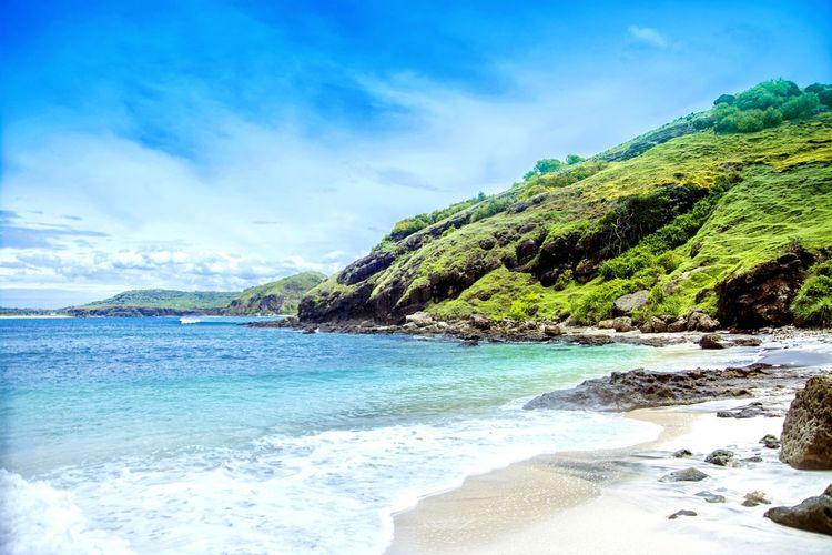 Bukit Merese, Lombok Island, Indonesia Beach Sea Water Nature Sand Blue Cloud - Sky Landscape Outdoors Sky Day INDONESIA Nikonindonesia Nikon Relax Awesome Wonderful Merese Green EyeEmNewHere