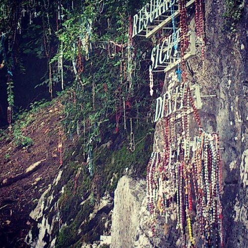 Lourdes Viacrucis Ultimo Rosarios peregrinacion increible precioso