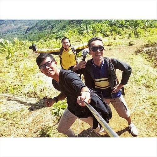 Mau naik gunung ga usah jauh-jauh, yg deket juga ada Gunungbatu Mytrip MyAdventure Gunung Mountain Onedaytrip Onedayhiking Selfie Instagram Jawabarat Jalan2terus