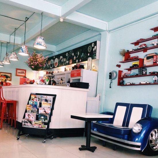 Coffee Shop Relaxing Enjoying Life Car