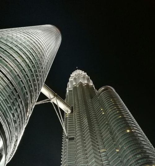 klcc tower Black Background No People Sky Close-up Outdoors Architecture Travel Destinations Cloud - Sky 2017 🍾🎇🎉❤ Nature City