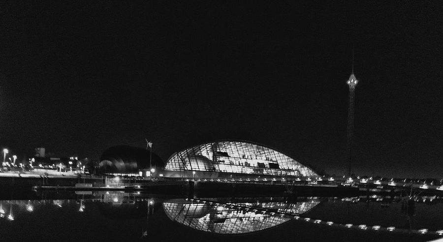 Glasgow Science Centre  19:27 Illuminated Architecture Night Modern RiverClyde Outdoors