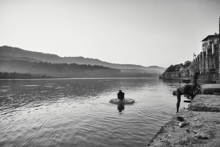 Before I jump on the train to Jaisalmer here is one of the morning pictures I took in Rishikesh. It's really a beautiful city and it was great to be surrounded by so much nature. Definitely a nice change of pace after Delhi^^ Traveling Shootermag EyeEm Best Shots Rishikesh The Great Outdoors - 2015 EyeEm Awards