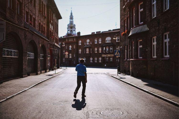 Streetphotography Brick City Life Pedestrian Sunny Shadows & Lights EyeEm Selects EyeEm Best Shots Mobility In Mega Cities