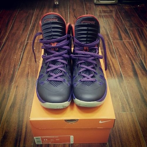 Its been 2 1/2 years since my last basketball sneakers, got these new hyperdunks on sale!! Getting ready for the ball tourney Ballseason '14 Nike Hyperdunks '13