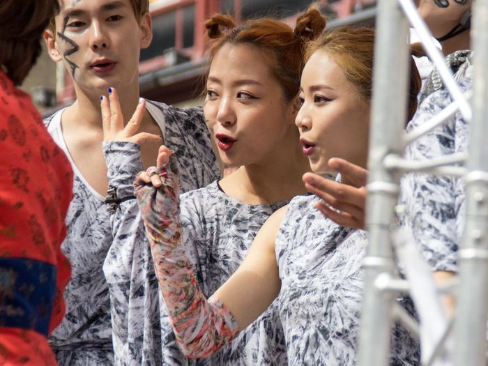 Edinburgh Festival Fringe 2017 City Edinburgh Edinburgh Fringe Korean Music Old Town Royal Mile Scotland Singers Arts Culture And Entertainment Close-up Day Edinburgh Festival People Performers Theatre Togetherness Women Young Women