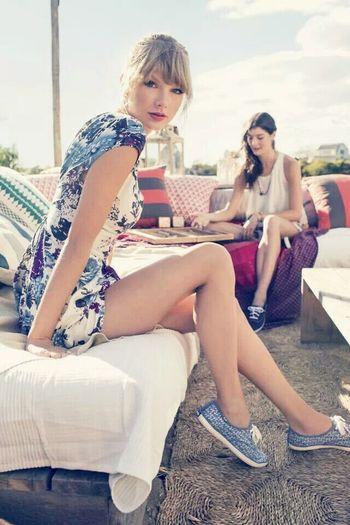 Taylor Swift ???