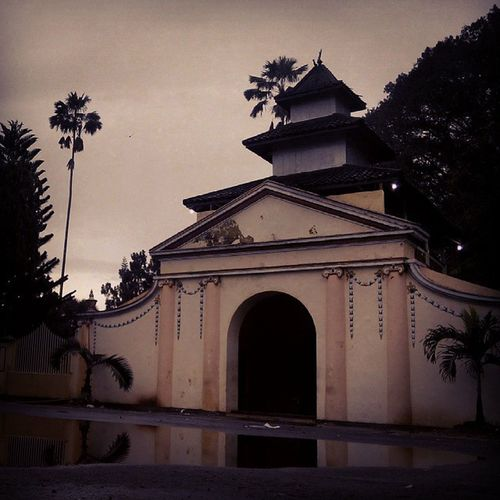 @spotnesia Keratonsumenep Sumenep Inimadura Madura Cityofpurity View Fatamorphosis History Sejarah INDONESIA Lenovotography Photophone  Lzybstrd Pocketphotography