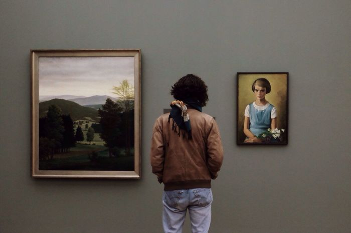 Weekends - great time for museums Museum Observing Man Style Moments Watcher Paintings Museum Time Art Lover Showcase March The Portraitist - 2016 EyeEm Awards