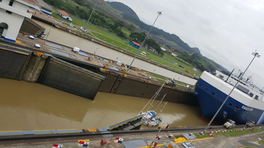 Canal De Panama  Tourist Travel