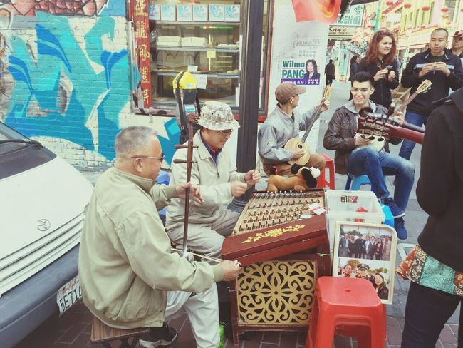 Chinatown San Francisco Chinatown San Francisco Chinese Culture Music Brings Us Together Streetperformer Streer Photography Music Is Life Funtogether