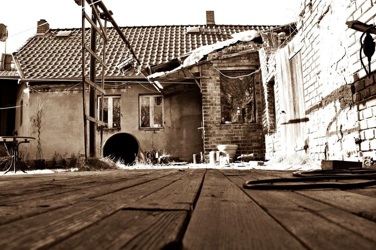 Old lovely house Beautiful Outdoor Photography Outside Beauty In Nature Retro Retro Style Old Old Buildings Old Ruin Sepia Sepia_collection Sepia Photography Sepiatone Dreamy Romantic Cutehouse Perspective Photography Built Structure Day Outdoors No People