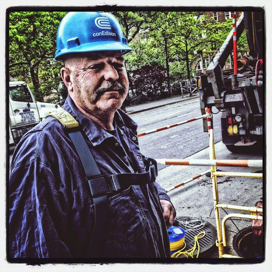 this gentleman helps keep nyc in good working order Street Workers AMPt_community WiAM Community AMPt - Street