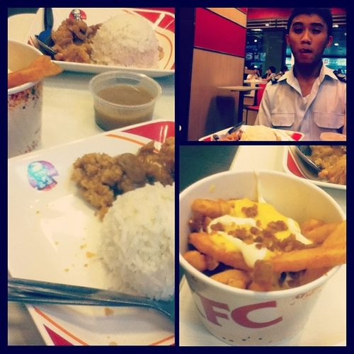 Ang kasama nag papacute, hindi nman cute.. Hahahaha.. :D Jerome KFC Cheesebaconfries Flavorshotsmeal fingerlickinggood