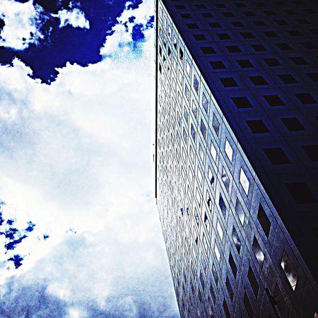 とはいえ、日差しはまだ強いかな。 OSAKA Mylife City Scape Skyporn