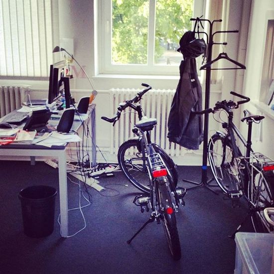 I like my office 😂 Biketowork Bicycle Cycling Biketouring Travelbikes 😚 Commuting Office Bikeinoffice Santos Travelmaster Norwid Rohloff ShimanoXT Reiserad Fahrradfahren Fahrrad Fitfornix 😚 Faktor3ag Business PR