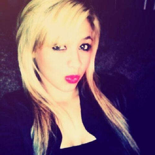 Guerita Blonde Redlips Muuaahh
