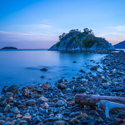 Majestic view of seashore
