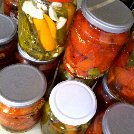 Close Up Homemade Pickle Jars  Home Made Eyeem Market Wolfzuachis Pickels Colorfull Home Made Pickles