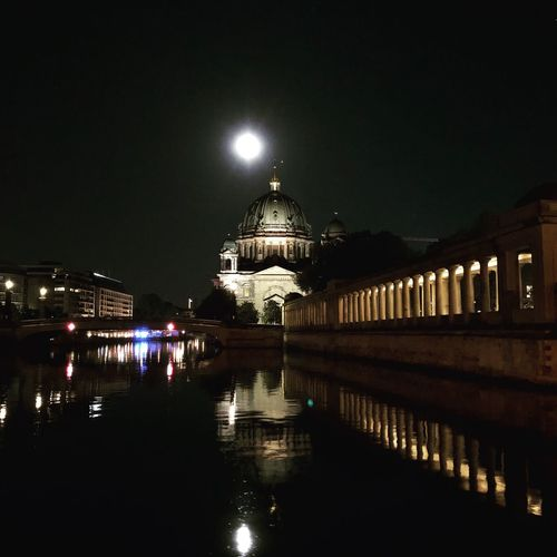 Fullmoon Vollmond Berlinerdom Night Illuminated Architecture Water Building Exterior Built Structure Reflection City Nature Waterfront Outdoors River No People Building Sky Dome Moon Lighting Equipment Moonlight Travel Destinations EyeEmNewHere My Best Photo