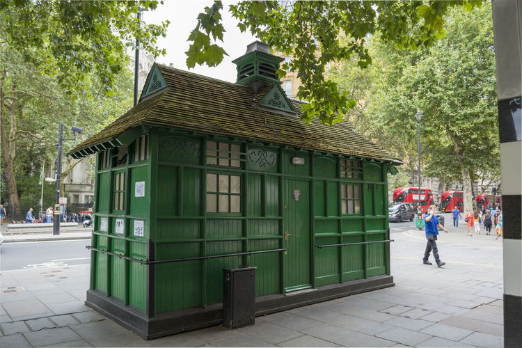 A historic victorian Cabmen's shelter at Embankment, London, England. Antique British Food And Drink Horse And Carriage London Taxi Architecture Cabdrive Cabmans City England Green Hut Hidden History Huts Londoncabmansshelter Londonlife Rest Place Secret Shelter Street Taxidriver Unusual London Victorian London Victorian Hut
