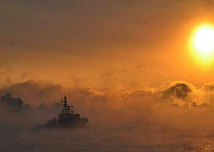 Seafog temperature is getting closer to zero. Seafog Freezing Cold Finland Baltic Sea Fairytale  Sunset Cold Belowzero Wintertime