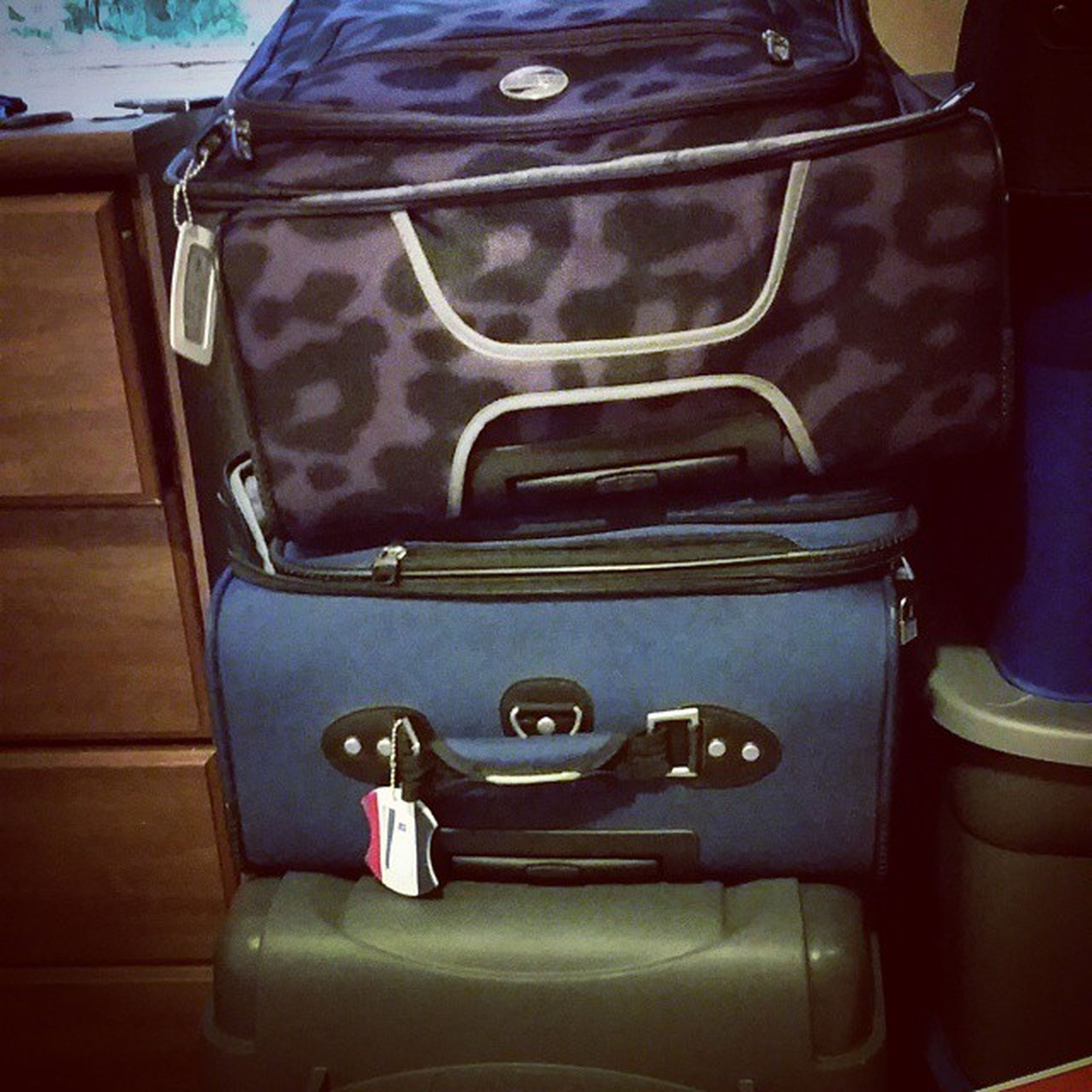 I'll be Living outside of a Suitcase for the next two and a half weeks...ah that's Moving for you.