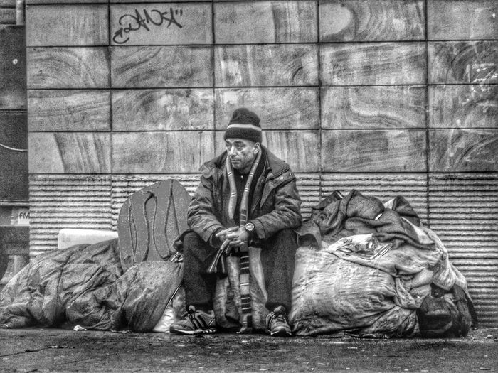 I saw this man but did not see him with all his worldly goods just watching Life go by People Of Manchester People Watching Homeless Monochrome Black And White Collection  EyeEm Masterclass EyeEm Best Shots - Black + White Blackandwhite Photography Black And White Photography The Purist (no Edit, No Filter) Eyeem Black And White Blackandwhite B&w Photography EyeEm Best Shots The Human Condition Street Photography Street Life B&w Street Photography Streetphotography City Life Showcase: December Homeless Of Manchester Uk Street Photography - EyeEm Awards 2016 Photojournalist Eyeem 2016