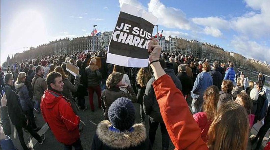Lyon : CHARLIE au moins 300 000 manifestants hier dans les rues de Lyon