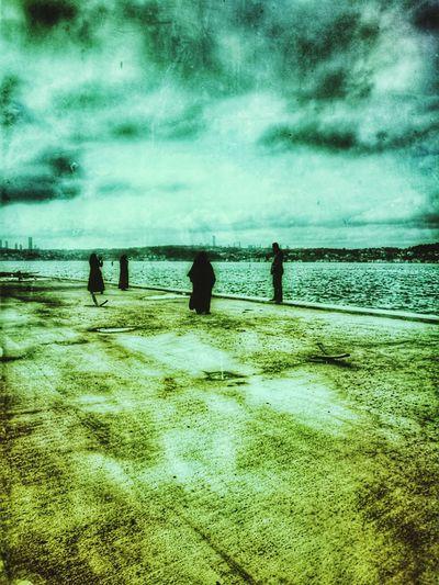 Beach Sea Real People Nature Water Sky Outdoors Sand Day Men People BEYKOZAYRICALIKTIR. 😌😌😌 Beykoz İstanbul Istanbul City Beykoz Beykoz, Turkey, Turkish, ıstanbul, Asia, Asian, Middle East, Black Sea, River, Riva, Riva River, Water, Winter, Season